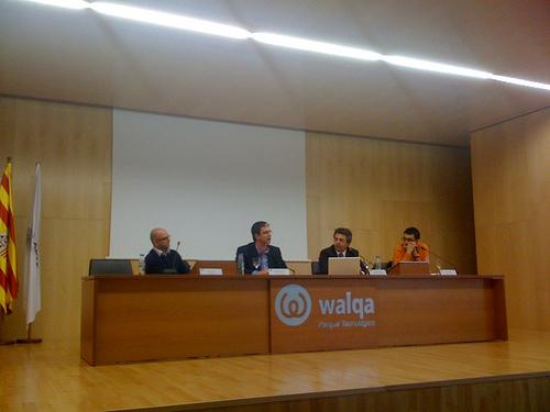Mesa redonda en la IV Feria de Tiendas Virtuales en Walqa, Huesca.